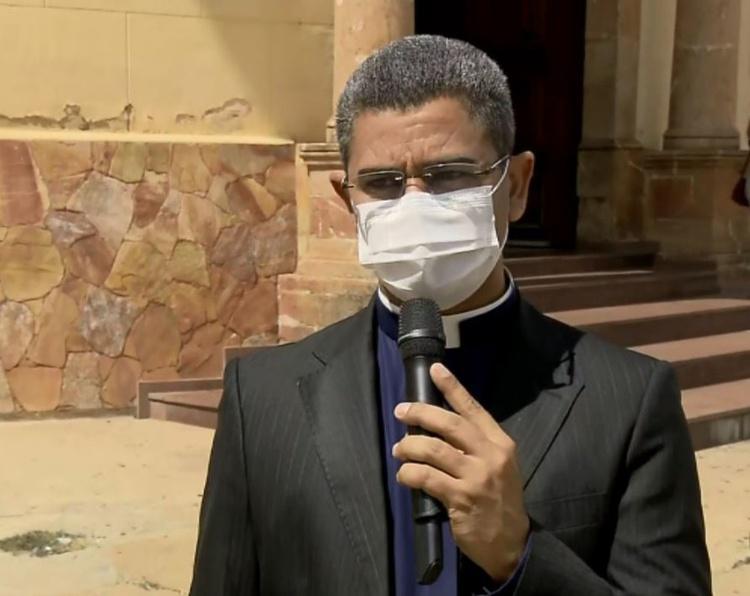 Padre Riva Rodrigues, vítima de injúria racial em Alfenas (MG)